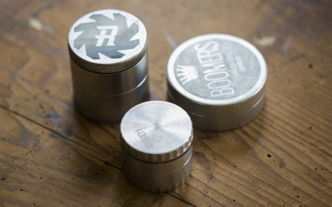 post-image-Review: Stainless Steel Grinders Are Finally Here!